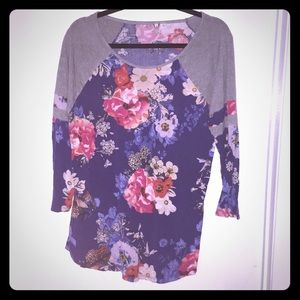 A flower long sleeve tee